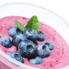 Dr. Oz's Berry Strong Spinach Smoothie
