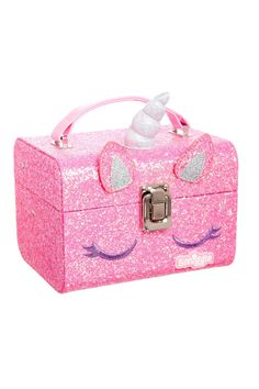 Store your fabulous jewellery and trinkets in this gorgeous unicorn character jewellery box from Smiggle. The lid opens to reveal a mirror and two tiers of storage for rings, bracelets, necklaces and accessories. Little Girl Toys, Baby Girl Toys, Toys For Girls, Little Girls, Unicorn Room Decor, Unicorn Fashion, Unicorn Jewelry, Princess Toys, School Bags