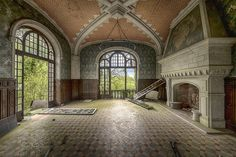 Urbex Château du Golf   I should do some more researching be…   Flickr