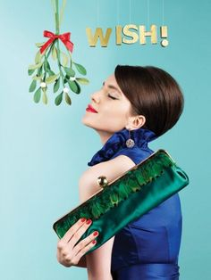The Kate Spade Holiday Campaign Is Everything Kate Spade Christmas Gifts, Merry Christmas, Christmas Trends, Christmas Store, Christmas Morning, Christmas Campaign, Green Clutches, Monday Inspiration, Quoi Porter