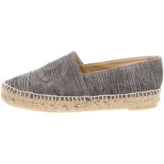 Pre-owned Chanel Suede Espadrille Flats (8.405.000 IDR) ❤ liked on Polyvore featuring shoes, flats, grey, chanel espadrilles, grey suede shoes, flat pumps, flat shoes and chanel shoes