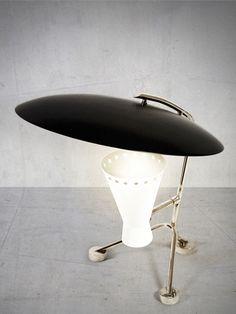 CANDEEIRO DE MESA DE ALUMÍNIO COM BRAÇO FIXO BARRY BY DELIGHTFULL  #Architonic #lamps #vintage #vintagelamps