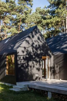 Cottage designed by RUBOW architects Black House Exterior, Cottage Exterior, Cottage Design, Cottage Style, House Design, Nature Architecture, Scandinavian Cottage, Sweden House, Modern Barn House