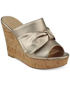 Get the must-have platforms of this season! These Guess Gold Womens Hotlove Leather Open Toe Casual Sandals. Platforms Size US 6 Regular (M, B) are a top 10 member favorite on Tradesy. Wedges Online, Flip Flop Shoes, Platform High Heels, Guess Shoes, Wedge Sandals, Open Toe, Metallic Leather, Luxury Fashion, Fancy