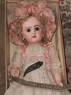 Most Beautiful French Bisque Bebe Jumeau in Box - WhenDreamsComeTrue #dollshopsunited