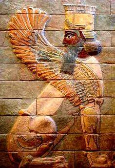 Arte Persa-A civilização persa era predominantemente guerreira, essas característica se refletiam em suas manifestações artísticas, como a representação mítica de criaturas fantásticas, quase sempre grandes, e poderosos animais, com cabeças humanas, simbolizando seu poderio militar bruto.Como na maioria das civilizações antigas, todo esse luxo era sustentado com base na exploração da classe oprimida dos servos e com o uso do trabalho escravo. A arquitetura persa recebeu influência assíria...