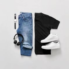 Effortless men's fashion outfit combination black fitted t-shirt l denim jeans l white sneakers shoes Stylish Mens Outfits, Casual Outfits, Men Casual, Denim Fashion, Fashion Outfits, Style Fashion, 2000s Fashion, Fashion Tips, Mode Man