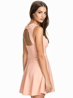 Keyhole Back Dress - Nly One - Light Pink - Party Dresses - Clothing - Women - Nelly.com Uk