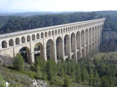 The Roquefavour Aqueduct of Ventabren: the Biggest Stone Aqueduct on Earth in the Heart of Provence