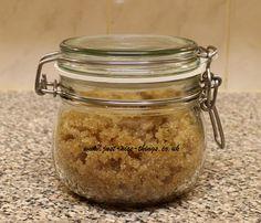 Homemade Vanilla Body Scrub:00g golden granulated sugar (or demerara sugar for a coarser scrub) 100g granulated sugar 1 tablespoon vanilla extract 100ml olive oil (with more to add for personal preference)