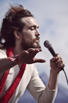 Alexander Ebert from Edward Sharpe and the Magnetic Zeros