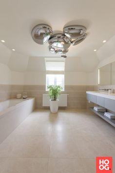 Modern badkamer ontwerp   badkamer ideeën   design badkamers   bathroom decor   Hoog.design