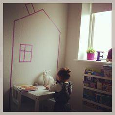 """Filucca er vild med sit nye """"legehus"""" på værelset / washi tape house"""