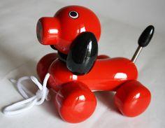 Kouvalias wooden pull toy.