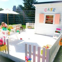 Gorgeous and inviting outdoor play spaces 43 - Home Design Ideas Kids Outdoor Play, Outdoor Play Areas, Kids Play Area, Backyard For Kids, Outdoor Fun, Kids Yard, Backyard Playhouse, Build A Playhouse, Backyard Playground