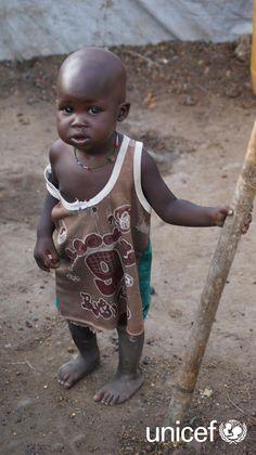 PRZEKAŻ DAROWIZNĘ: W Sudanie południowym trwa dramatyczna walka z czasem. Dzieci czekają na Twoja pomoc. Pomóż nieodżywionym dzieciom w Sudanie Południowym. Twoja darowizna może oclić jedno z nich. Pomóż na www.unicef.pl/sudan.