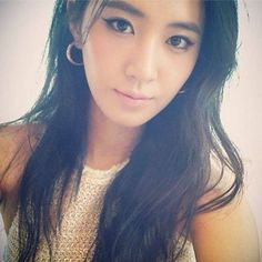 8e07da05770f Girls  Generation s Yuri looks sexy and chic in new selca