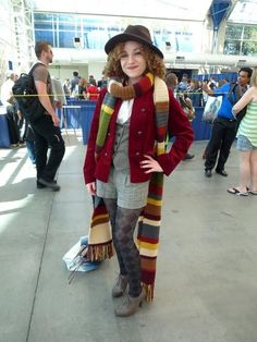 I'm absolutely in love with this femme fourth doctor cosplay with river song hair