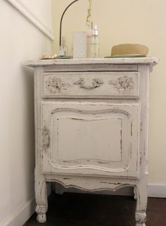 Casa Feliz Upcycled Furniture, Vintage Furniture, Furniture Decor, Painted Furniture, Muebles Shabby Chic, Shabby Chic Decor, Boys Room Design, Retro Home, My Room