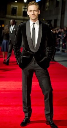 Mr. Hiddleston. Owning that red carpet!!