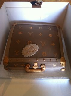 Luis Vuitton brief case cake