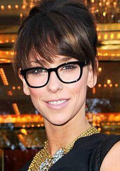 Love the glasses on Jennifer Love Hewitt! bangs and glasses! Jennifer Love Hewitt, Jennifer Aniston, Jennifer Garner, Glasses For Face Shape, Eye Glasses, Glasses For Long Faces, Chanel Glasses, Best Eyeglasses, Wearing Glasses