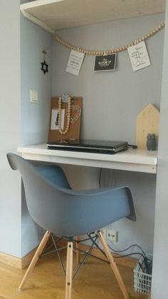 Ons computerhoekje gemaakt van steigerhout.