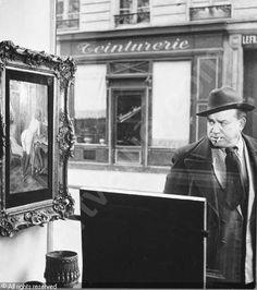 Robert Doisneau  //  Tableau de Wagner dans la vitrine de la Galerie Romi, Paris, 1948.