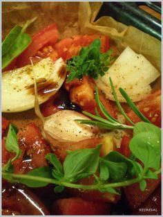 REDNEVAL: Rajčata v troubě... Thai Red Curry, Favorite Recipes, Ethnic Recipes, Food, Essen, Meals, Yemek, Eten