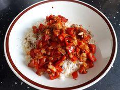 Paprika-Reispfanne mit Joghurtsauce, ein beliebtes Rezept mit Bild aus der Kategorie Dünsten. 636 Bewertungen: Ø 4,5. Tags: einfach, Gemüse, Getreide, Hauptspeise, Reis, Schnell, Sommer, Studentenküche, Vegetarisch