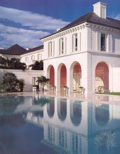 The Devoted Classicist: Magical Montsorrel, A Magnificent Palm Beach Estate Beautiful Interiors, Beautiful Homes, Beautiful Places, House Beautiful, Porches, South Shore Decorating, Facade Design, Villa Design, Cool Pools