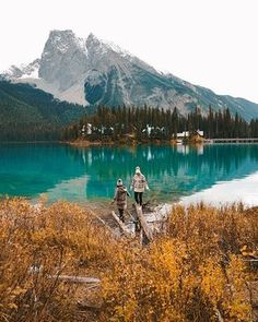 More days like this with humans who inspire me! I think I'd be perfectly happy with autumn colors lasting all year long Beautiful World, Beautiful Places, Days Like This, Vacation Pictures, Belleza Natural, Adventure Is Out There, Adventure Awaits, Go Outside, Travel Photos