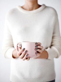 country road australia / sfgirlbybay ~ love the grey nails. Pink Cups, Gray Nails, Burgundy Nails, Pastel Decor, Chilly Weather, Sweater Weather, Modern Country, Belle Photo, Nespresso