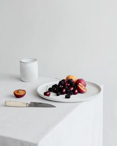 New Fruit Photography Simple Food Styling Ideas Food Design, Design Art, Food Styling, Photo Food, Food Photography Styling, Photography Lighting, Photography Backdrops, Photography Ideas, Photography 2017