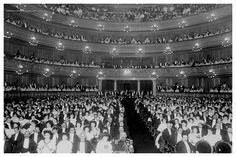 1908. Para la inauguración del Teatro Colón se ofreció la ópera Aída de Giuseppe Verdi. (Archivo Clarín)