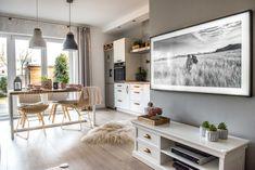 Wiosenne dekoracje w salonie - Lovingit.pl Sofa, Table, Furniture, Home Decor, Living Room, Settee, Decoration Home, Room Decor, Tables