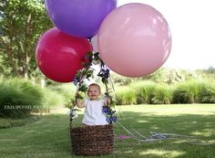 first birthday photos with balloons