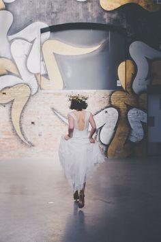 Robes de mariée par Atelier 2B | Crédits: Studiohuit | Donne-moi ta main - Blog mariage