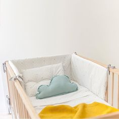 Buenos días!!!! Hoy me dirijo a las afortunadas que tenéis bebes en casa!!! No dejéis de descubrir nuestra colección de chichoneras, fundas nórdicas y colchitas para cuna de 60 cm. Y si por algún casual tenéis la cuna grande de 70 escribidme que os la hacemos a medida!! #Belandsoph #baby #protectordecuna #chichonera #vestirlacuna #cuna #cunita #nursery Toddler Bed, Ideas, Instagram Posts, Baby, Furniture, Home Decor, Grande, Cribs For Babies, Crib Sheets