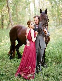 Gorgeous Game of Thrones Wedding Inspiration : photography, styling + floral: Clayton Austin // dress: vintage // groom's suit: Vera Wang Horse Wedding, Mod Wedding, Wedding Pictures, Wedding 2017, Fall Wedding, Rustic Wedding, Wedding Photography Poses, Couple Photography, Equine Photography
