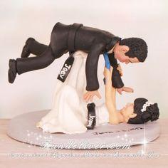Bride Throwing Groom Over Her Head Jiu Jitsu Wedding Cake Toppers Funny Cake Toppers, Wedding Cake Toppers, Wedding Cakes, Wedding Gowns, Brazilian Jiu Jitsu Gi, Art Jokes, Ju Jitsu, Cute Wedding Ideas, Girls Be Like