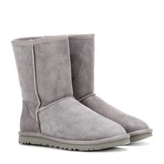 UGG Australia Classic Short Boots ($260) ❤ liked on Polyvore featuring shoes, boots, ankle booties, uggs, botas, chaussures, grey, grey booties, ugg australia boots and grey ankle booties