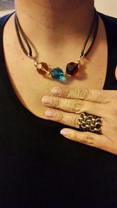 Collar con piedras y anillo con cadena