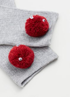 Pompon socks | MANGO