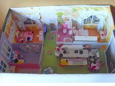 model dolls house from cardboard would be good to make for mini lalaloopsies andtohae her help Cardboard Dollhouse, Cardboard Toys, Diy Dollhouse, Doll Crafts, Fun Crafts, Diy And Crafts, Shoebox Crafts, Doll Furniture, Dollhouse Furniture