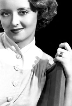 Bette Davis, beautiful photo. She was a great actress!