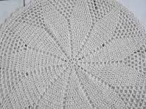 Resultado de imagem para tapetes de croche faceis com grafico