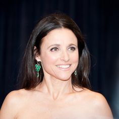 Julia Louis-Dreyfus (January 13, 1961) American actress, o.a. known from the comedyseries of 'Seinfeld'.