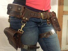 BOUDICCA pocket belt with detachable leg holster: door KrakenWhip #handmadeleatherbeltspockets