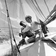 JFK and jackie sailing on the cape